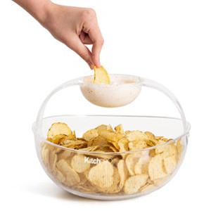 Chips och dippskål i samma