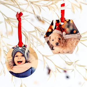 Julgranskulor i trä med eget foto