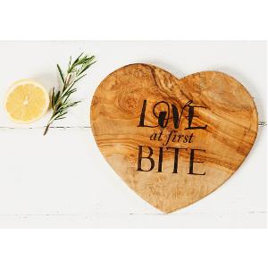 Hjärtformad skärbräda - Kärleksfullt julklappstips
